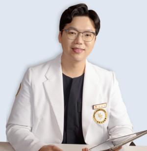 샤인스타의원 홍대점 김동현 대표원장.